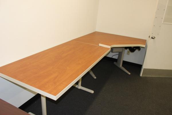 Modern Desk Desks A Affordable Office Furniture