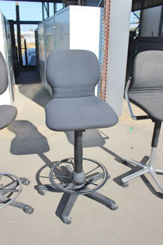 Armless Counter Height Task Chair