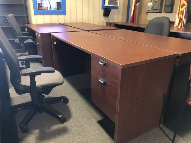Desk Single Pedestal